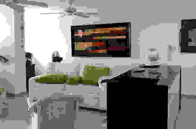 Conexión visual cocina y salón Comedores de estilo moderno de Remodelar Proyectos Integrales Moderno Granito