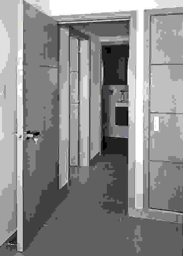 Carpintería en madera Habitaciones modernas de Remodelar Proyectos Integrales Moderno Tablero DM