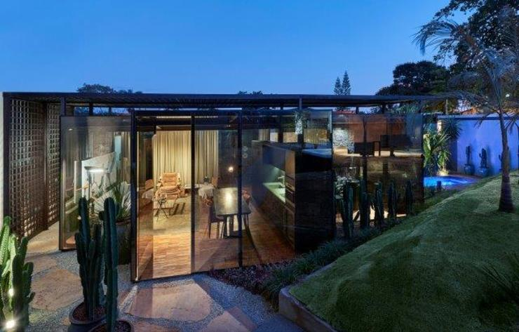 Houses by homify, Modern Glass