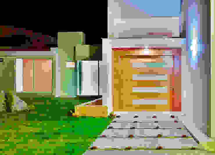 la puerta principal Casas modernas: Ideas, imágenes y decoración de Excelencia en Diseño Moderno Madera Acabado en madera