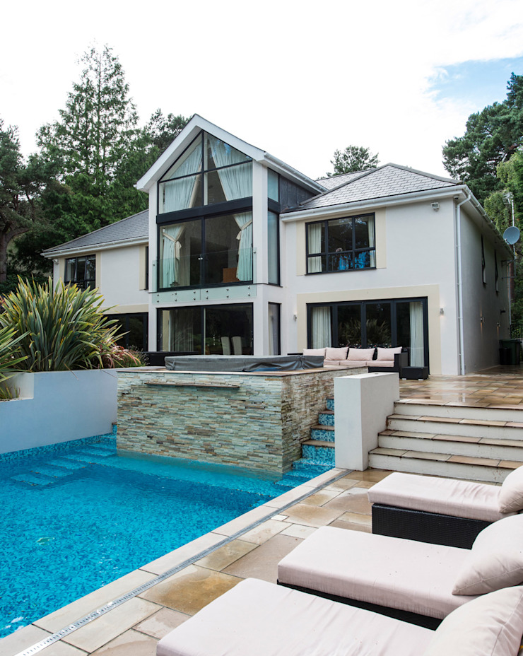 Bingham Avenue, Evening Hill, Poole Classic style houses by David James Architects & Partners Ltd Classic