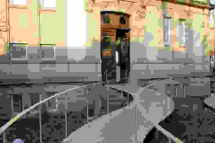 CENTRE DE L'ILLUSTRATION TOMI UNGERER Centros de exposições minimalistas por airesarquitectura Minimalista