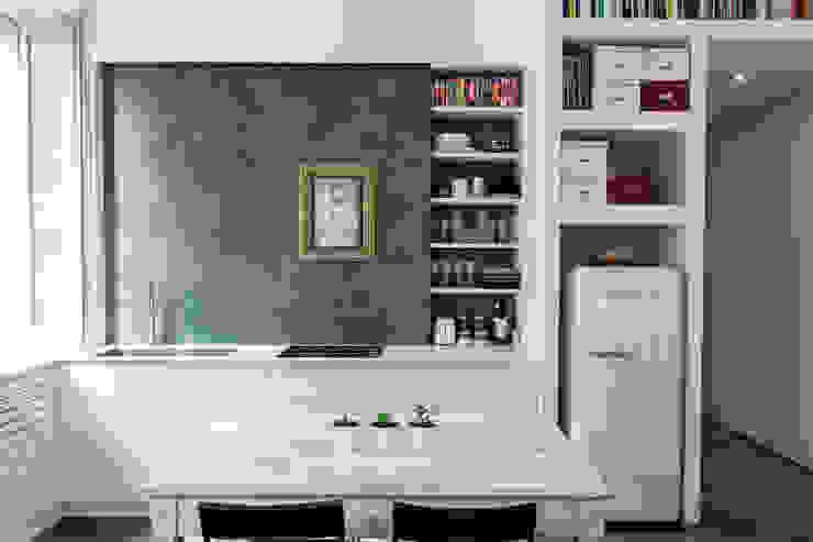 Minimalist kitchen by studio ferlazzo natoli Minimalist