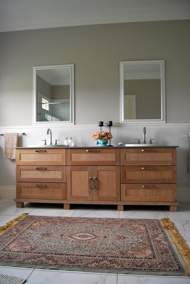 Capital Kitchens cc Classic style bathroom
