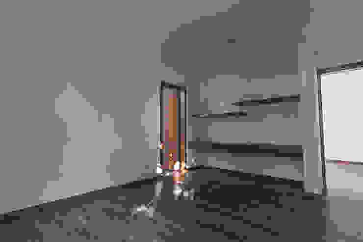 Bosques de Bugambilias Dormitorios modernos de 2M Arquitectura Moderno