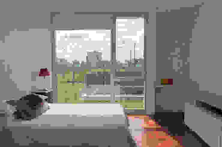 Casa 460 Dormitorios minimalistas de reimersrisso Minimalista