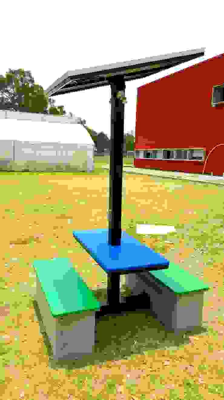 Kiosco solar Casas modernas de Vumen Moderno