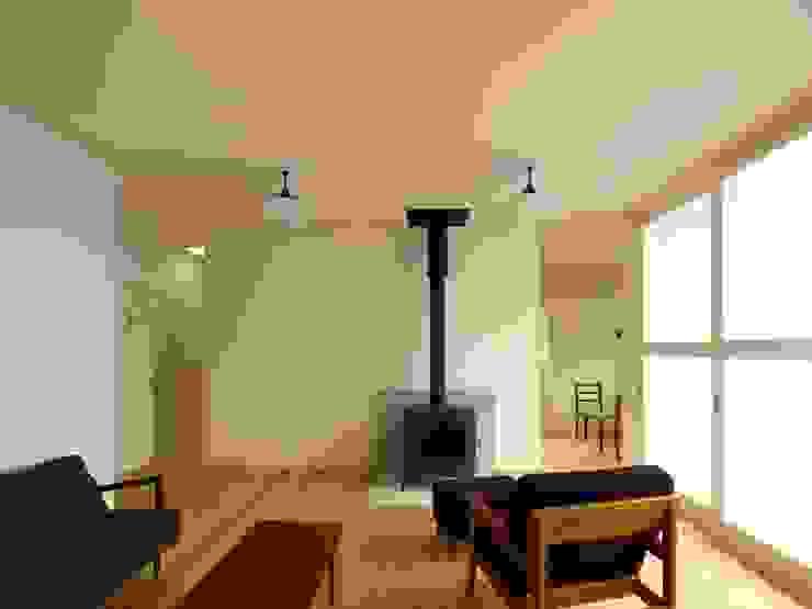 内部リビング クラシックデザインの リビング の アトリエdoor一級建築士事務所 クラシック 木 木目調