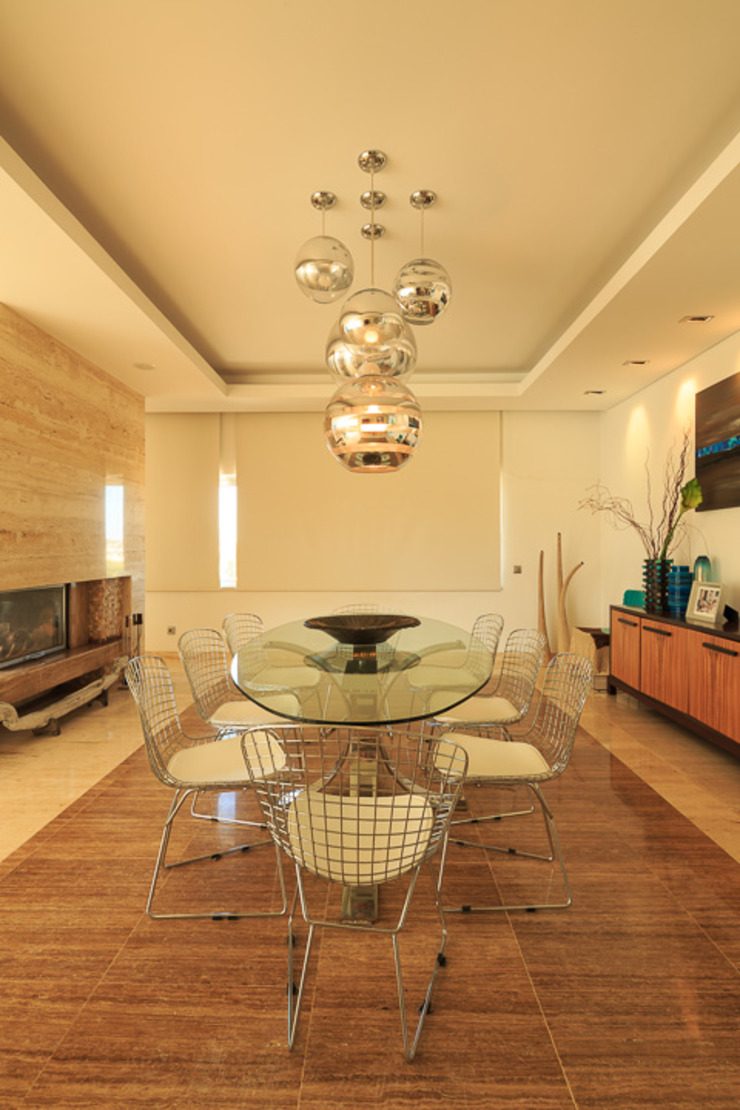 Atelier Ana Leonor Rocha Mediterranean style dining room