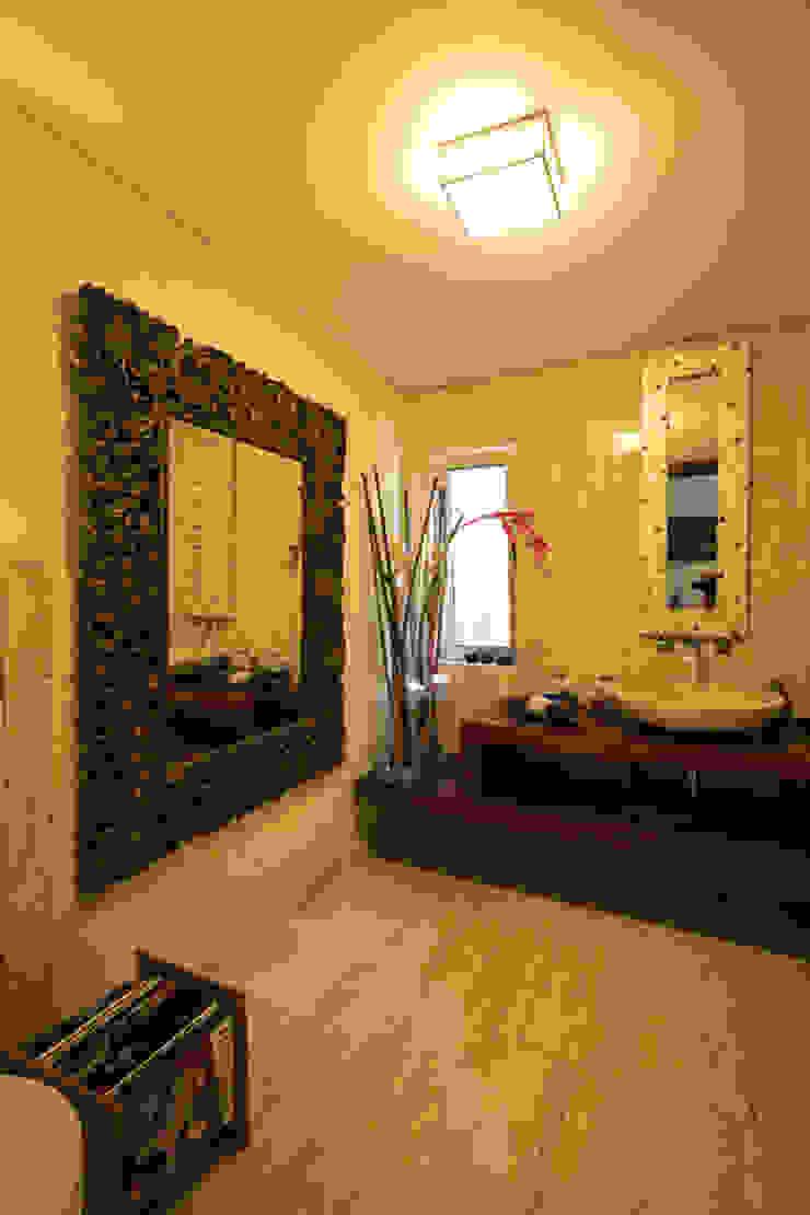 Mediterranean style bathrooms by Atelier Ana Leonor Rocha Mediterranean