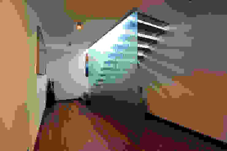 Atelier Ana Leonor Rocha Mediterranean corridor, hallway & stairs