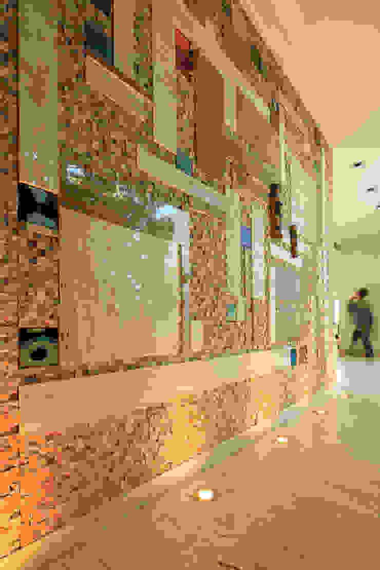 Mediterranean style dressing rooms by Atelier Ana Leonor Rocha Mediterranean