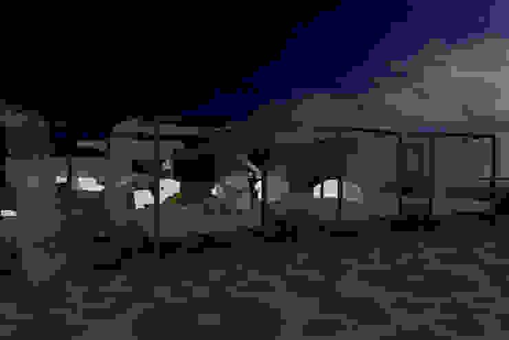 Sun SET -lounge Praia do Evaristo Espaços de restauração mediterrânicos por Atelier Ana Leonor Rocha Mediterrânico