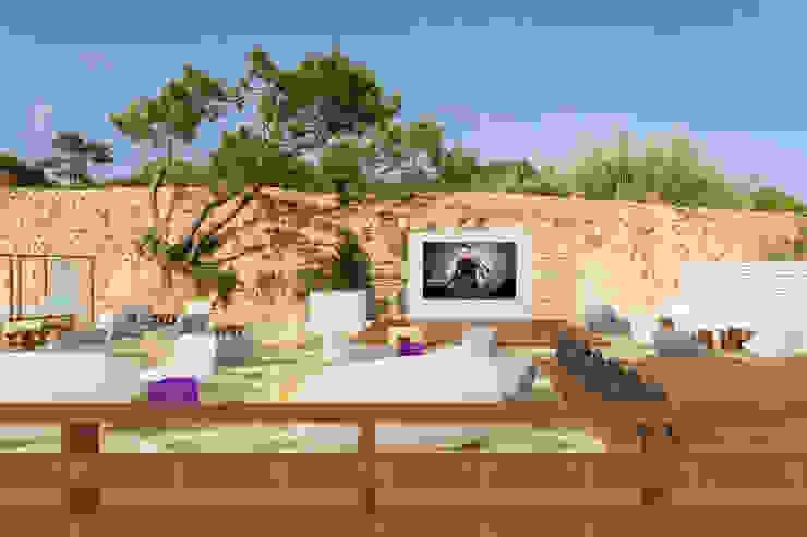 Sun SET -lounge Praia do Evaristo por Atelier Ana Leonor Rocha Mediterrânico