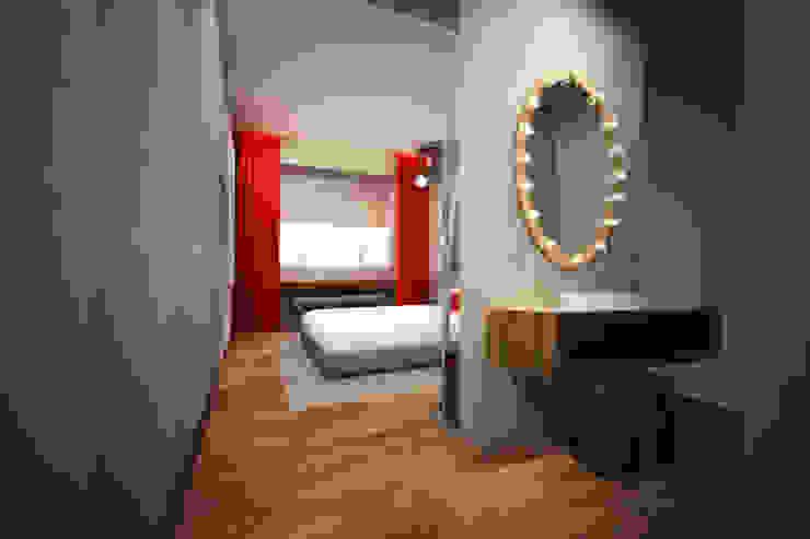 Hotel em Lisboa 2016 Hotéis eclécticos por Atelier Ana Leonor Rocha Eclético
