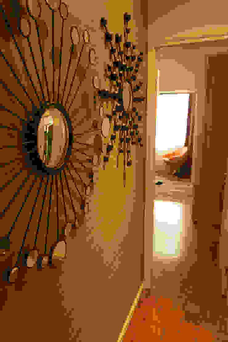 Apartamento Lisboa Corredores, halls e escadas ecléticos por Atelier Ana Leonor Rocha Eclético