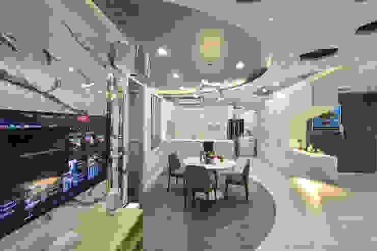غرفة السفرة تنفيذ Design Spirits, حداثي