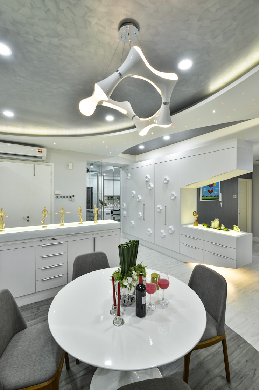 Ultramodern Loft | CONDOMINIUM Modern dining room by Design Spirits Modern
