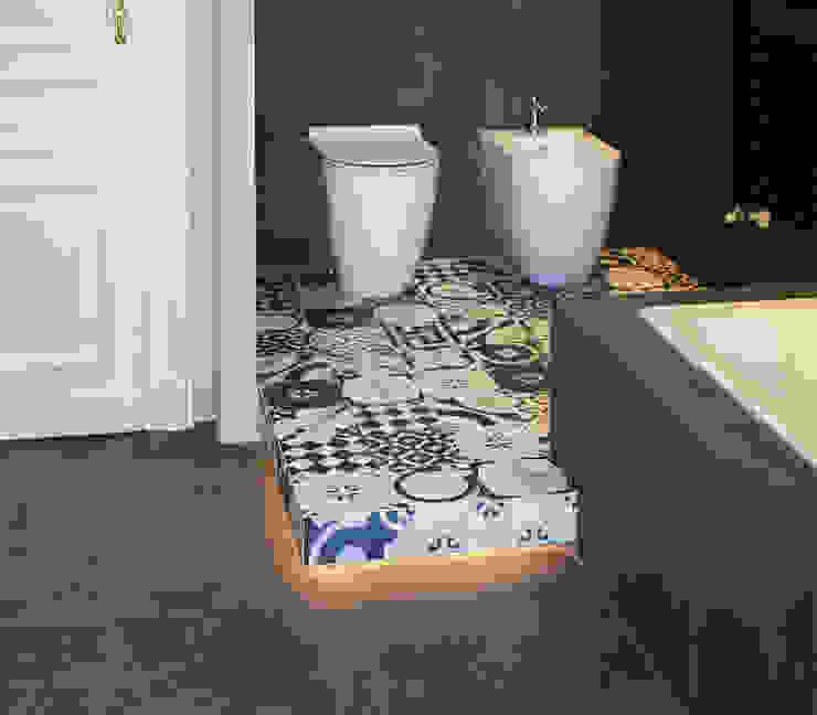 Ванная комната в эклектичном стиле от Onice Architetti Эклектичный Плитка