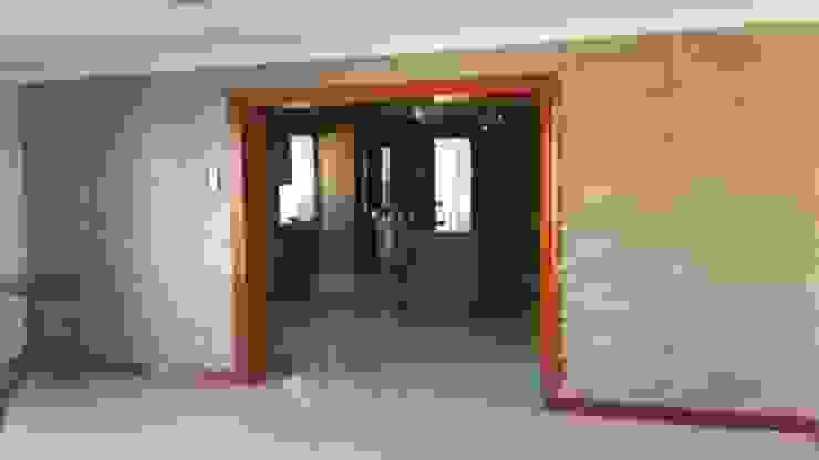 Locaux commerciaux & Magasin modernes par Twinx Interiors Moderne