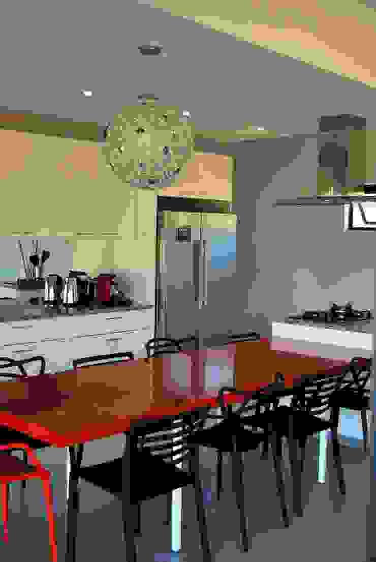 LC Interiors Modern kitchen by Capital Kitchens cc Modern