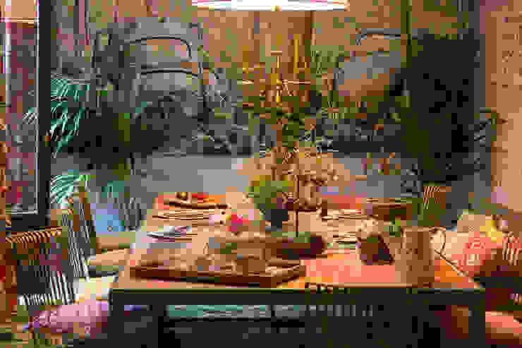 Modern Dining Room by Kalaspy Modern