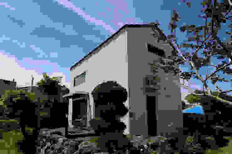 Houses by 아키제주 건축사사무소, Modern
