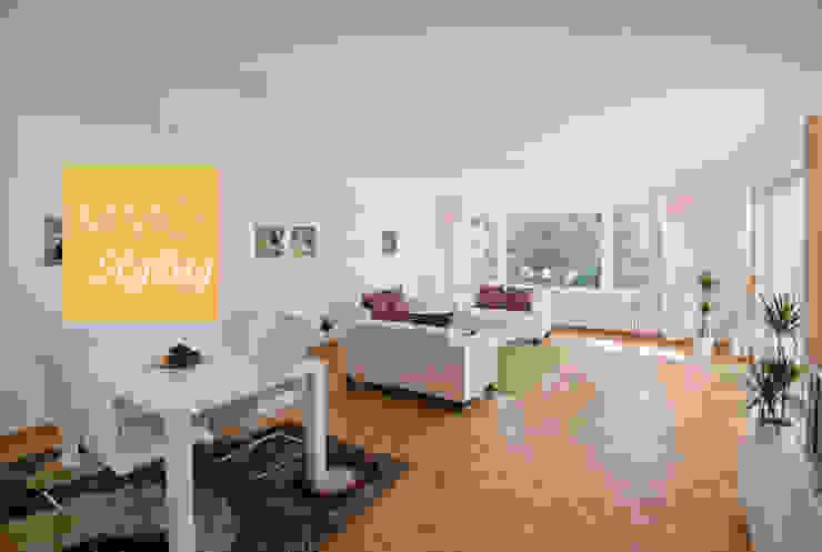 Wohnzimmer Moderne Wohnzimmer von IMMOstyling - DIE Homestaging Agentur Modern