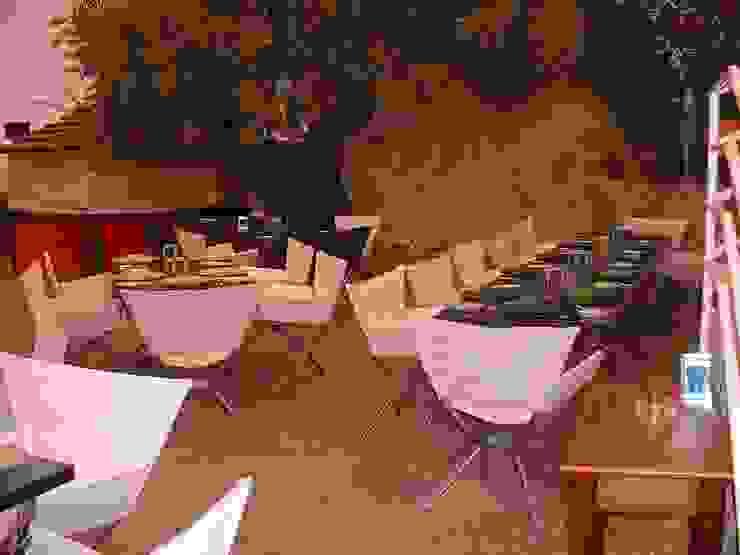 Clube Casa do Castelo 1998 por Atelier Ana Leonor Rocha Eclético