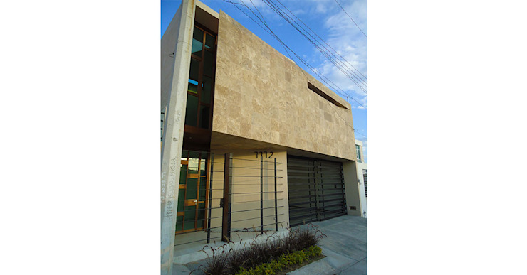 Minimalist house by lab d arquitectura Minimalist