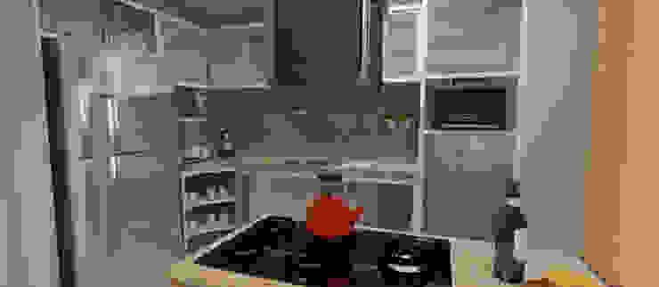 Kitchen by  Sotto Mayor Arquitetura e Urbanismo, Modern لکڑی پلاسٹک جامع
