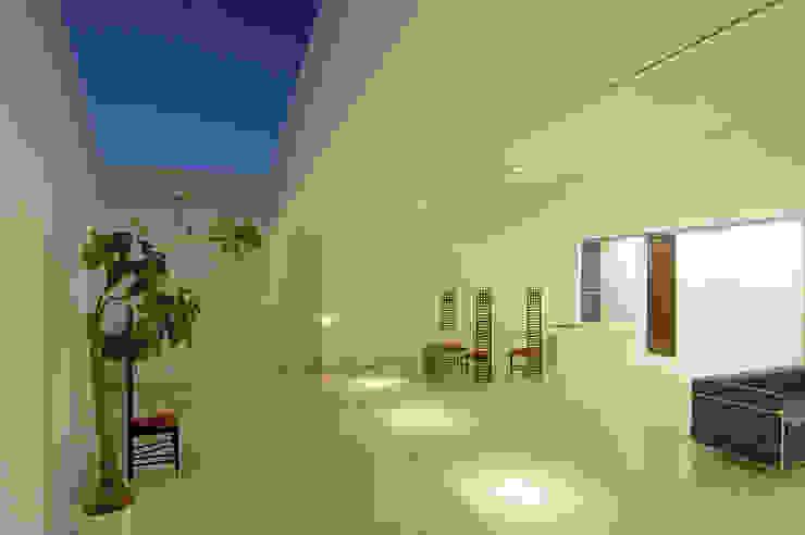Jardines de estilo  por 門一級建築士事務所