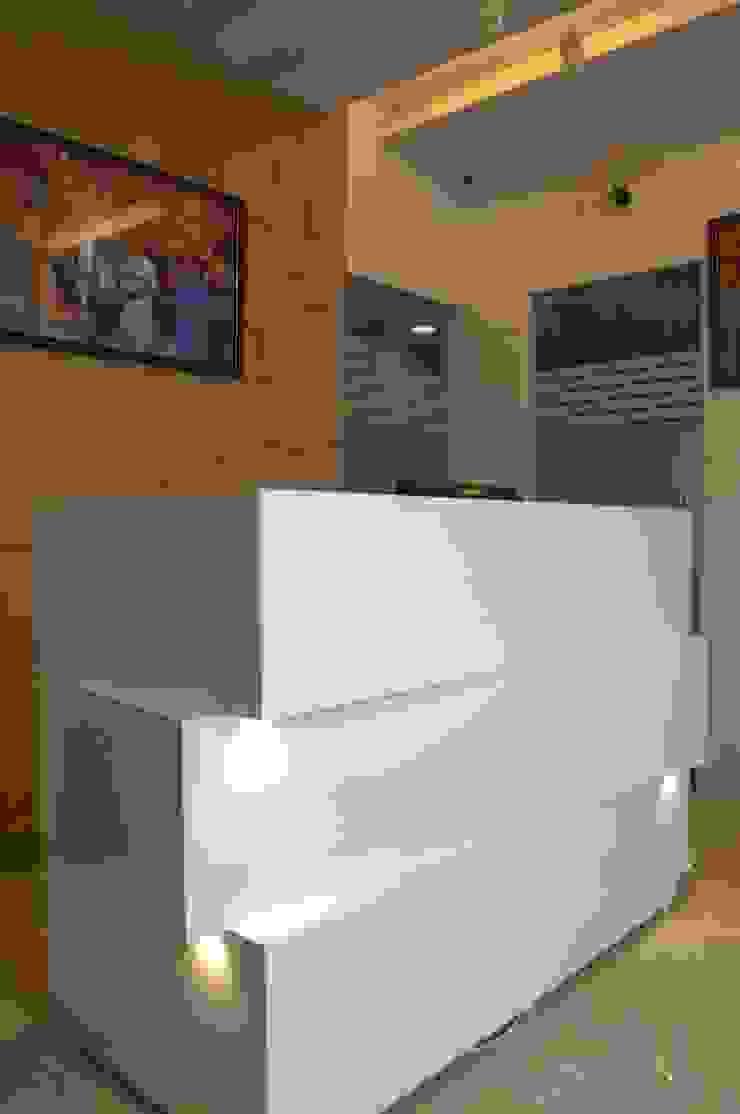 Reception Desk: modern  by Olive Roof,Modern