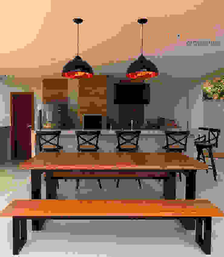 Área Gourmet VR Varandas, alpendres e terraços ecléticos por Martin.Perham Arquitetura Eclético Madeira Efeito de madeira