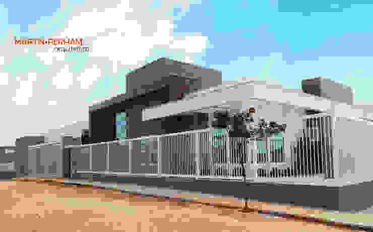 Casas estilo moderno: ideas, arquitectura e imágenes de Martin.Perham Arquitetura Moderno Contrachapado