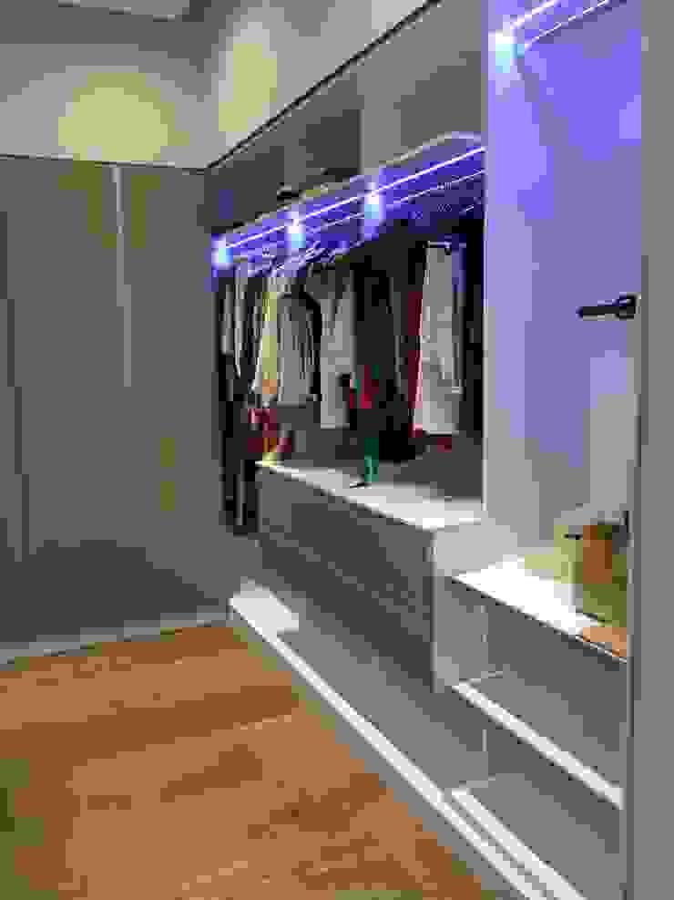 vestidor AParquitectos Closets de estilo moderno