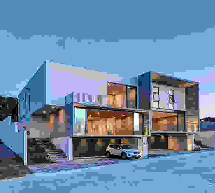 Casas de estilo minimalista de La Desarrolladora Minimalista Hormigón reforzado