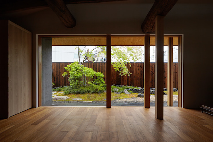 Modern living room by 一級建築士事務所 こより Modern