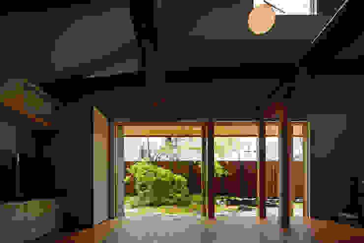 Livings modernos: Ideas, imágenes y decoración de 一級建築士事務所 こより Moderno