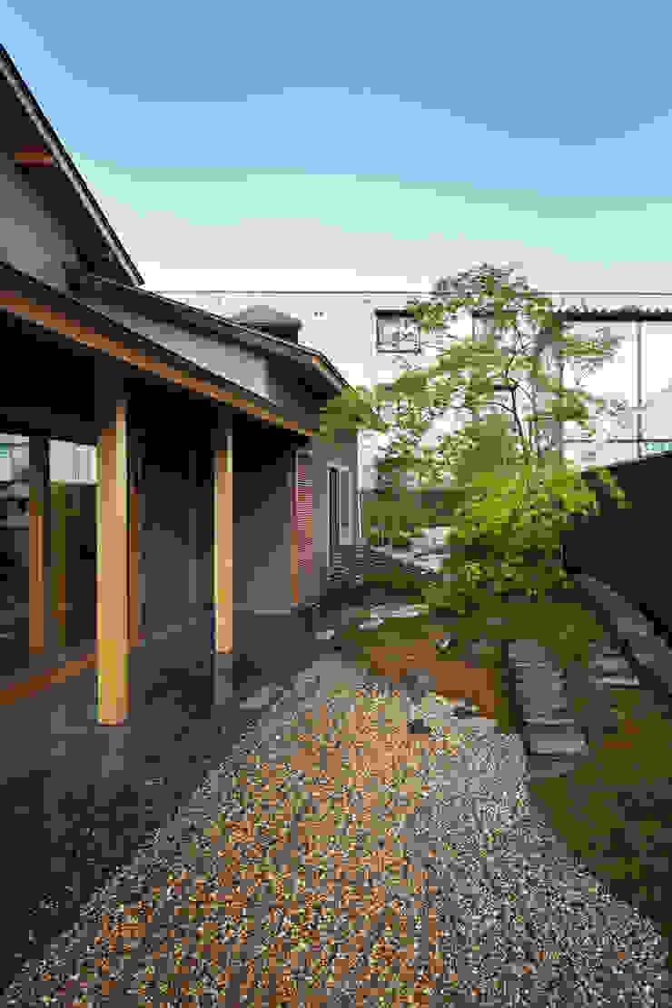 Jardines modernos: Ideas, imágenes y decoración de 一級建築士事務所 こより Moderno