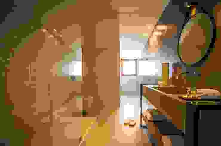 Casa de Banho em Microcimento - Pavimento e Bancada Espaços comerciais modernos por 4Udecor Microcimento Moderno
