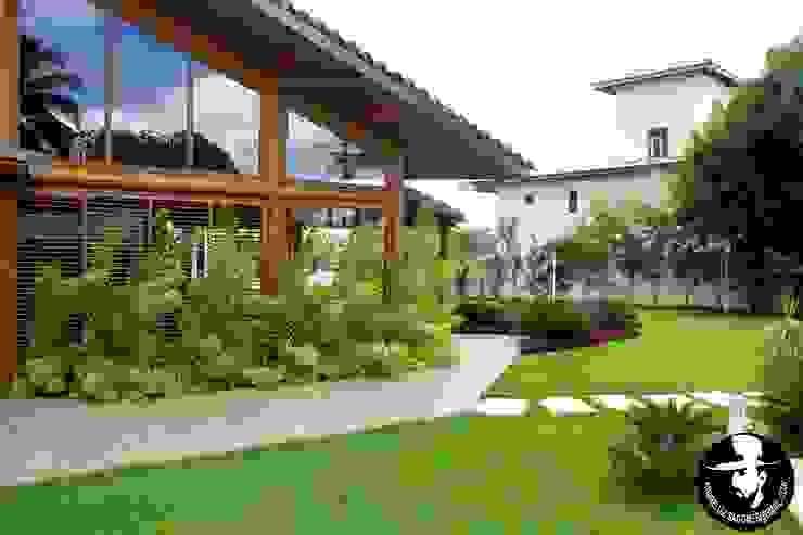 Tropical style houses by Tânia Póvoa Arquitetura e Decoração Tropical Wood Wood effect