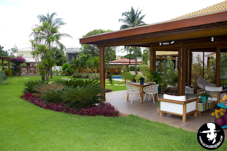 Tânia Póvoa Arquitetura e Decoração Tropical style houses Green