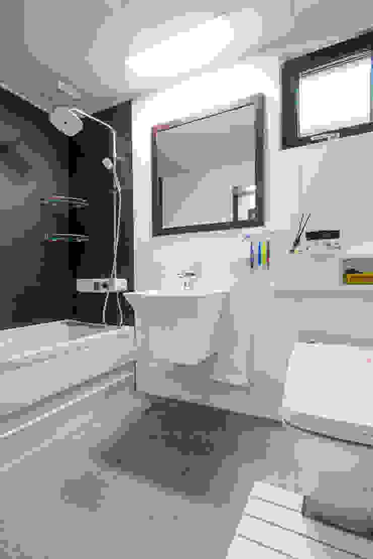 욕실 아시아스타일 욕실 by 윤성하우징 한옥
