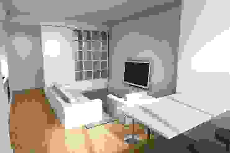 Remodelação de Apartamento Salas de estar modernas por Zaida Amorim & Maria Luis, Lda Moderno Derivados de madeira Transparente