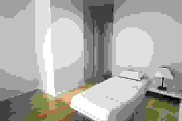Remodelação de Apartamento Quartos de criança modernos por Zaida Amorim & Maria Luis, Lda Moderno