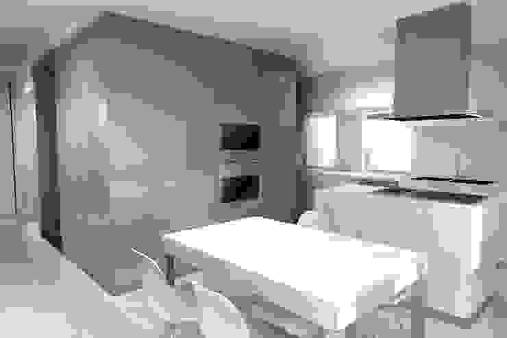 Remodelação de Moradia em Alvalade - Lisboa Cozinhas modernas por Zaida Amorim & Maria Luis, Lda Moderno
