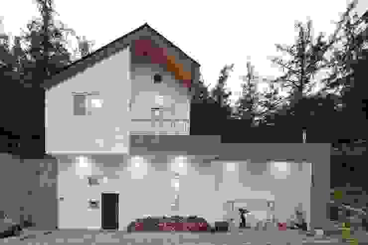 도곡리 주택 現代房屋設計點子、靈感 & 圖片 根據 위드하임 現代風