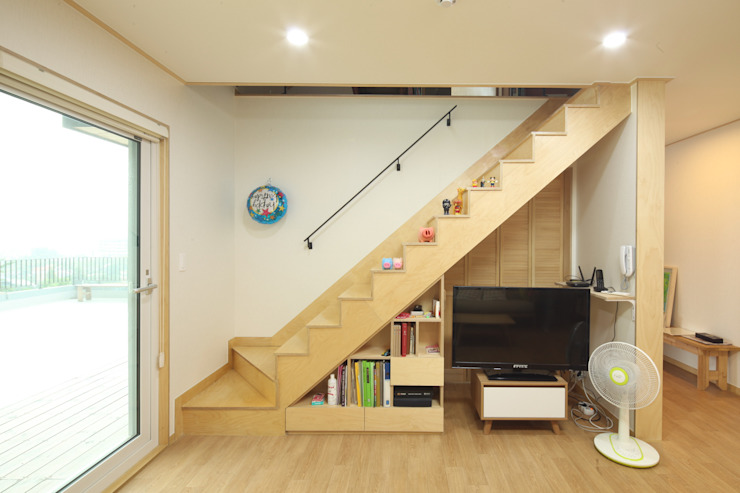 도곡리 주택 Modern Corridor, Hallway and Staircase by 위드하임 Modern