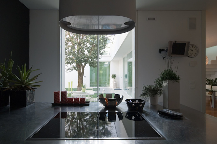 Modern style kitchen by ALDENA Modern